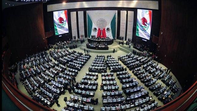 La lucha de terrenos políticos en Morena