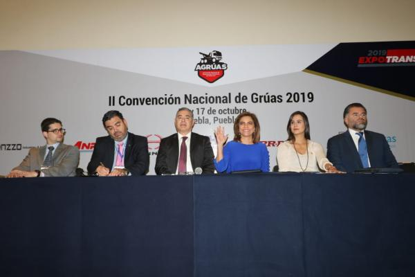 Se realiza en Puebla Congreso Nacional de Grúas