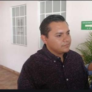 Se apersona Villareal para reclamar pago en tesorería