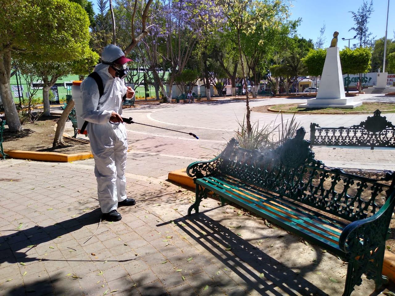 Inician trabajos de sanitización en parques de Tehuacán